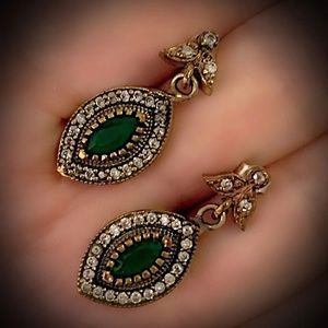 Deep Eyes Emerald Cluster Sterling Silver Earrings